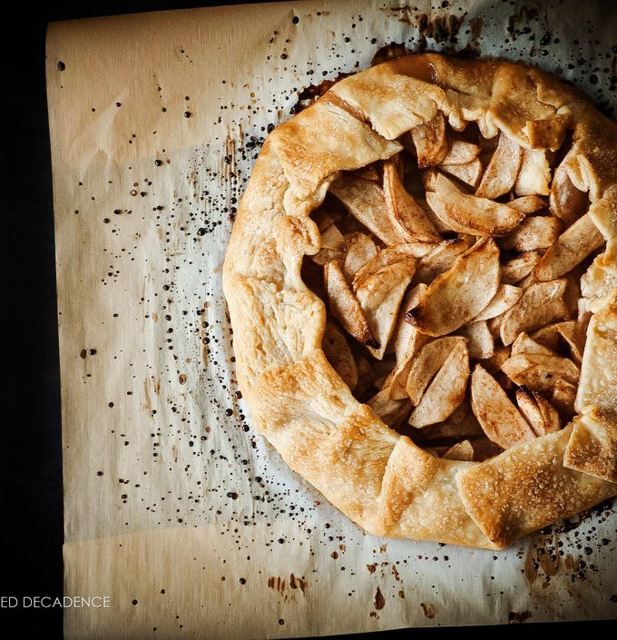 vegan apple cinnamon galette