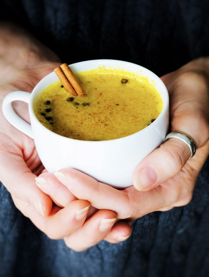 Five Minute Golden Milk [vegan]
